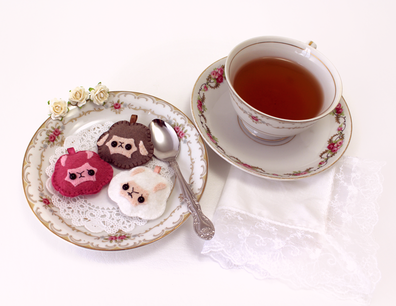 Alpaca Cream Puff Plushie Tea Party
